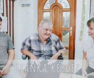 Bianka a peresznyei alkotókkal beszélgetett, Kiss Ferenccel és segítőjével Őri Lászlóval