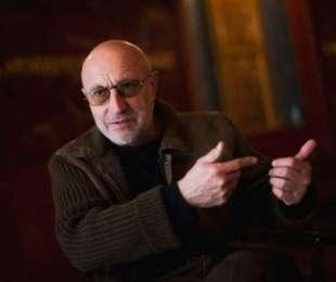 Bianka kérdez - Bianka Varsányi Ferenc Emmy-díjas filmrendezővel beszélgetett